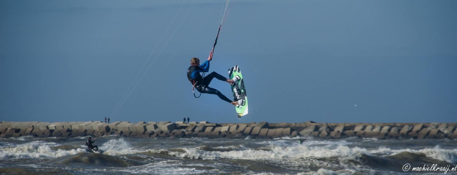 Surfer Ijmuiden Strand Ijmuiden Actueel